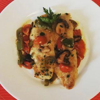 filetti di merluzzo peperoni,funghi e pomodorini