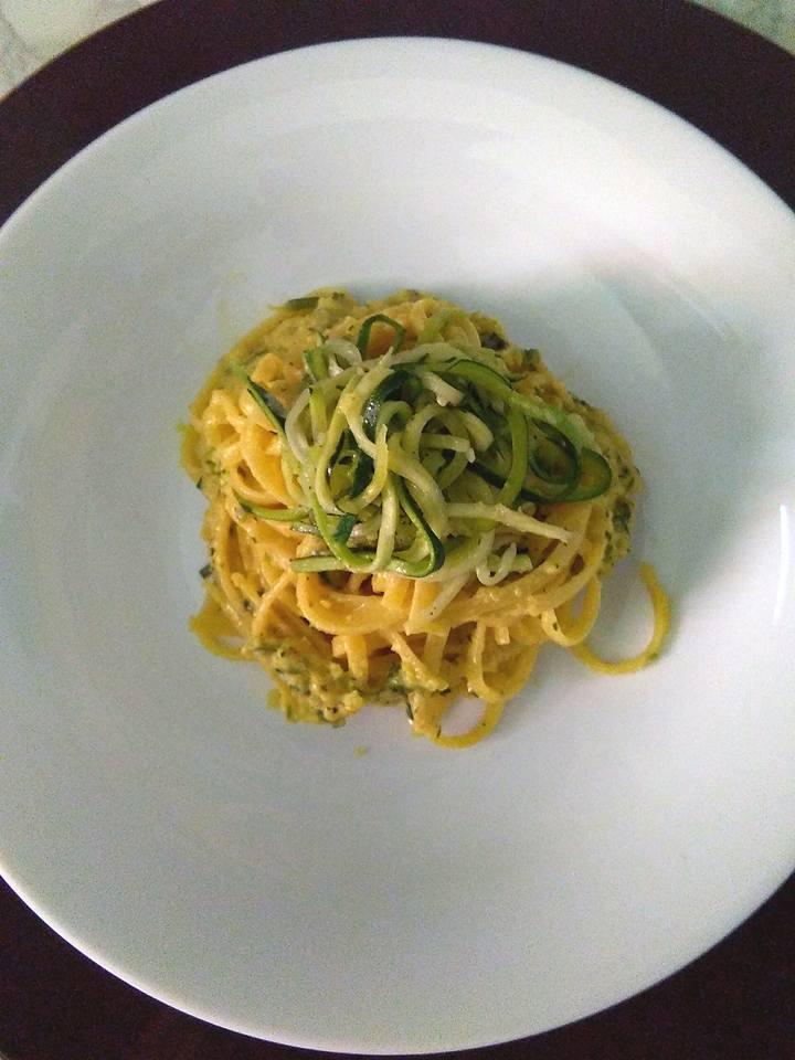 Linguine con zucchina robiola e zafferano