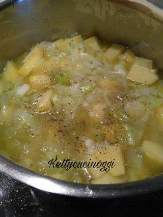 Vellutata delicata con porri e patate