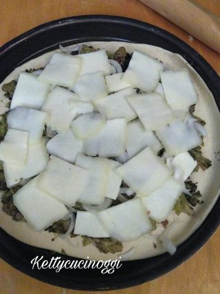 Schiacciata di Catania con broccoli