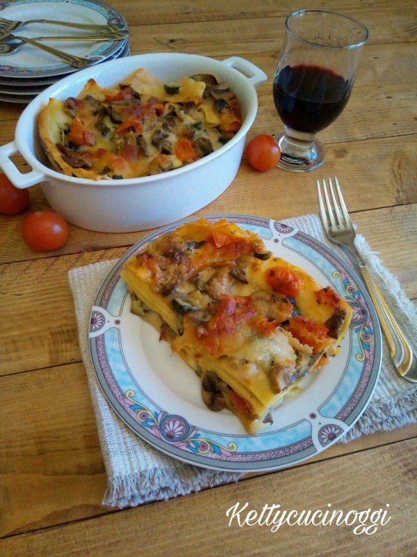 Una volta sfornate le <i><b>Lasagne vegetariane</b></i> le lasciamo intiepidire un attimo in modo da riuscirle a tagliarle bene, ecco qui come si presenteranno una volta portate a tavola.