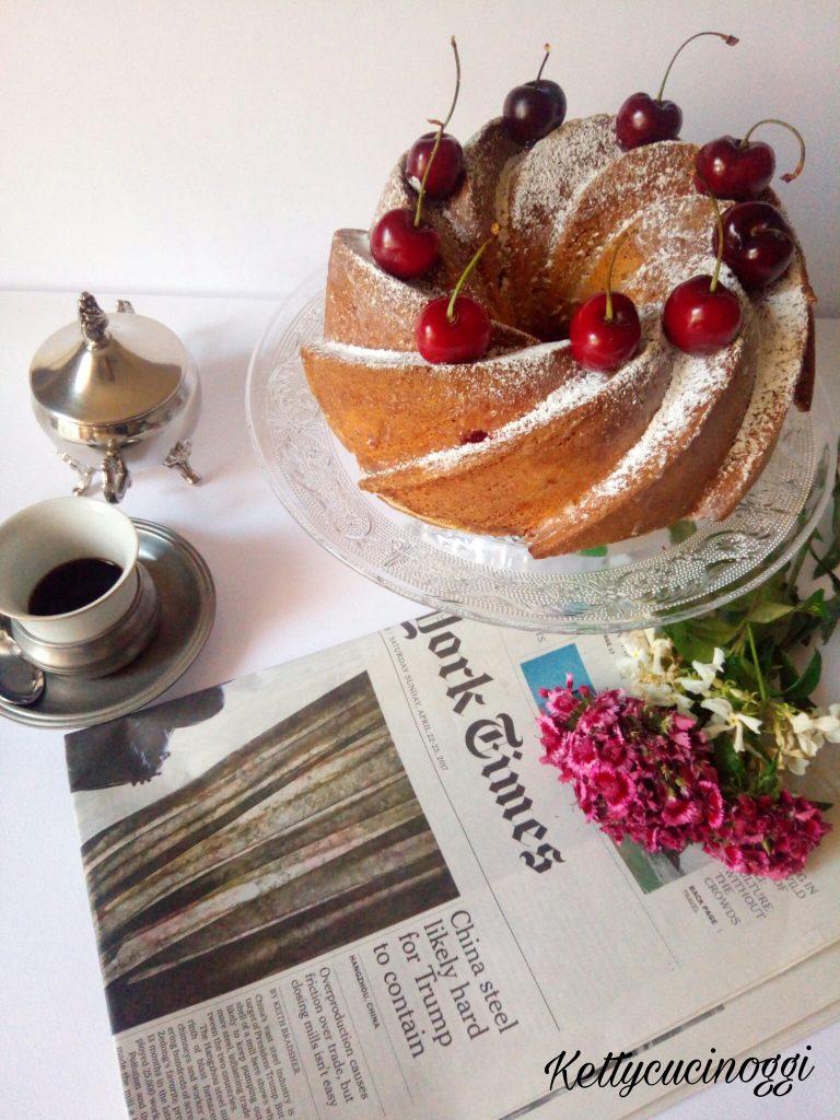BUNDT CAKE ALLO YOGURT E CILIEGE