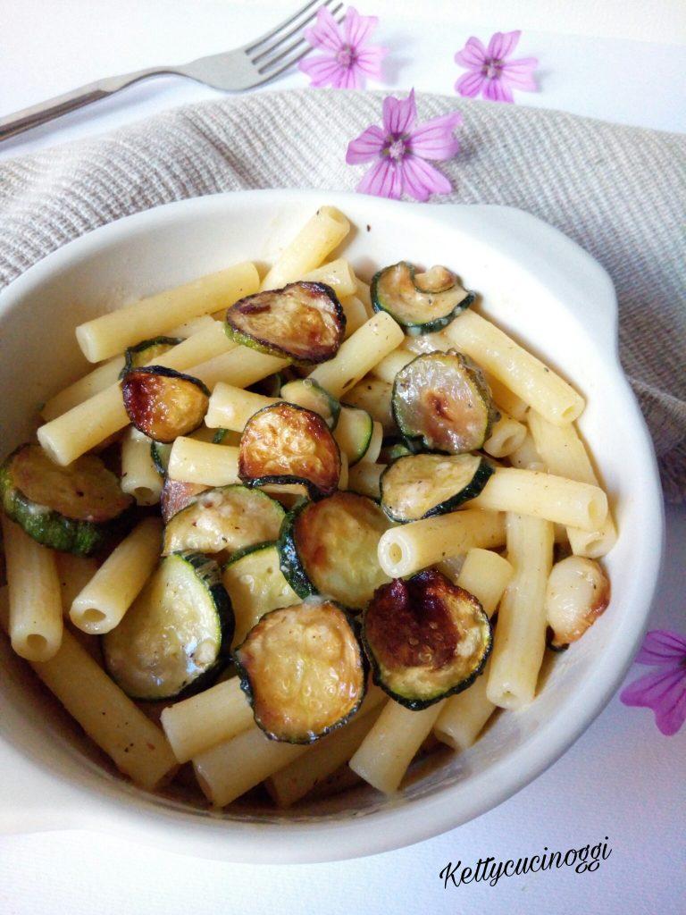 Sedanini con zucchine e colatura di alici di Cetara