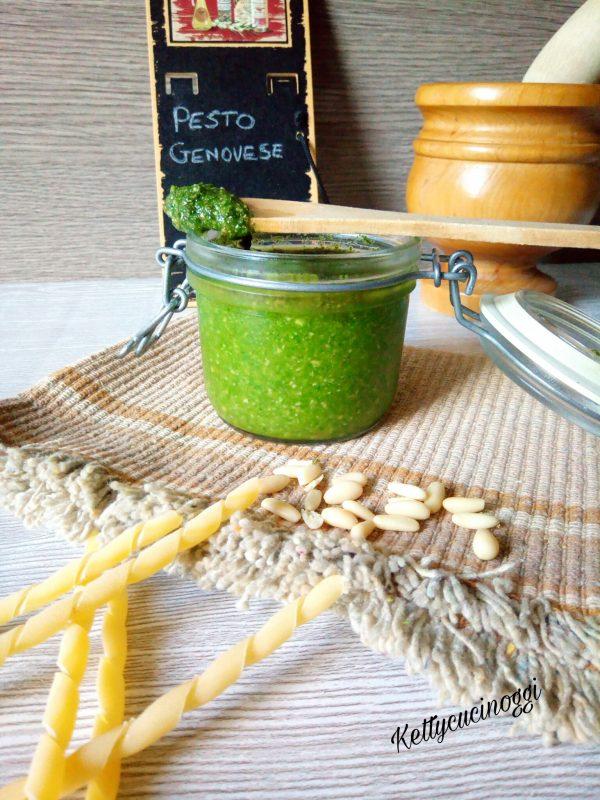 Il nostro <i><b>Pesto di basilico alla genovese</b></i> una volta finito si presenterà così come vedete nella foto. Pronto per condire la pasta, insalate e bruschette.