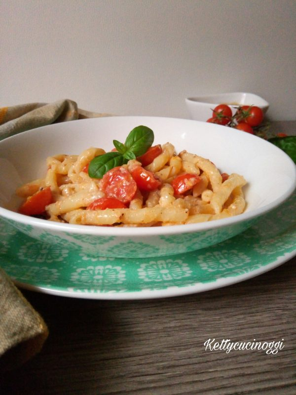 Ecco qui i nostri <b>Strozzapreti con pomodorini e salsa di noci</b></i> come si presenteranno una volta messi alla nostra tavola.