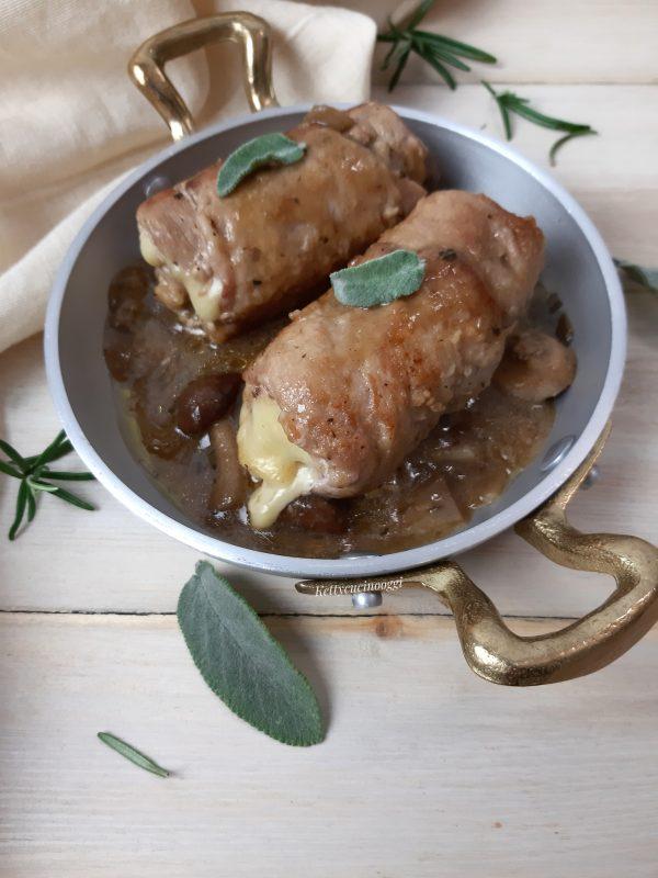 Uniamo i funghi cotti  aggiustiamo di sale e pepe,  continuiamo la cottura della carne ancora per 5 minuti.