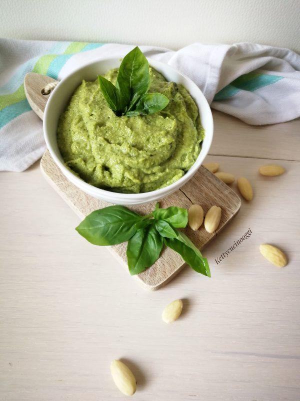 Il nostro <i><b>Pesto di zucchine alle mandorle</b></i>   è pronto da utilizzare secondo le nostre necessità.