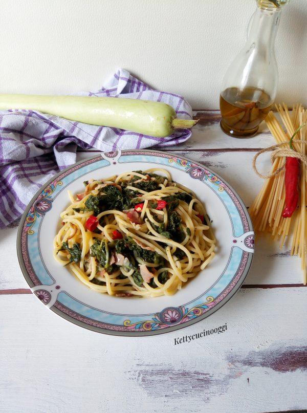 Ecco qui i nostri <i><b>Spaghetti con tenerumi e pancetta</b></i> pronti per essere serviti a tavola, mettiamo un filo di olio crudo e possiamo gustarli in tutta la loro bontà.