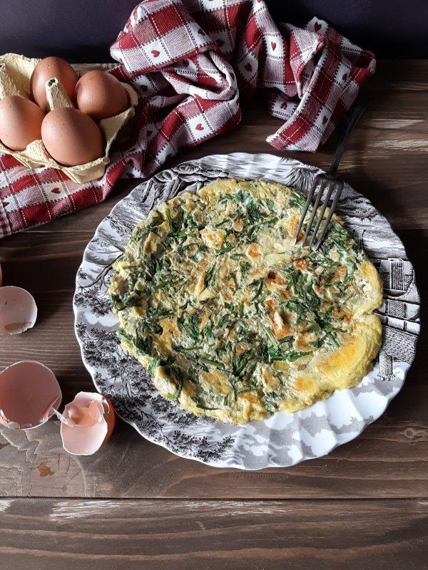 Una volta pronta servire ben calda la nostra <i><b>frittata con asparagina e porro</b></i>  accompagnata da una fresca insalata.