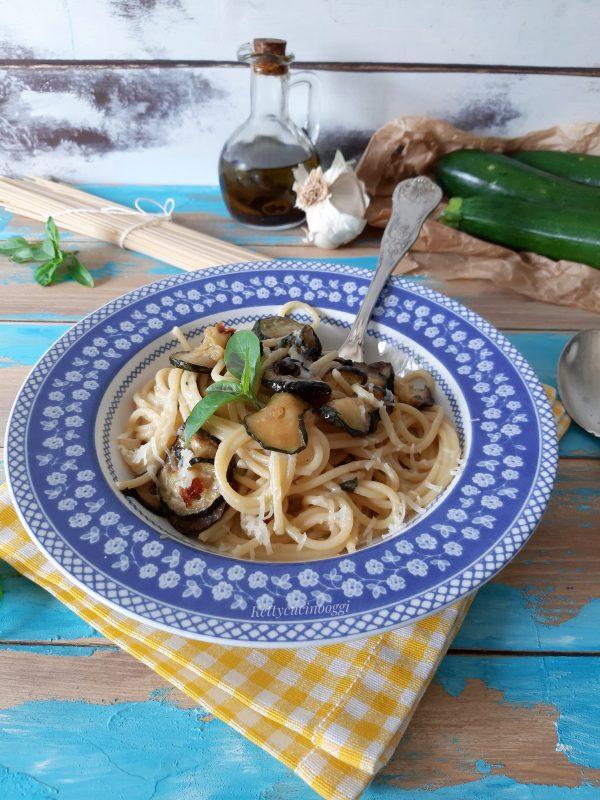 E i nostri <i><b>spaghetti alla Nerano</b></i> sono pronti per essere portati a tavola.