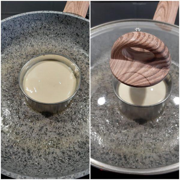 Versiamo due mestolini di pastella , aggiungiamo un cucchiaio di acqua e chiudiamo con un coperchio.