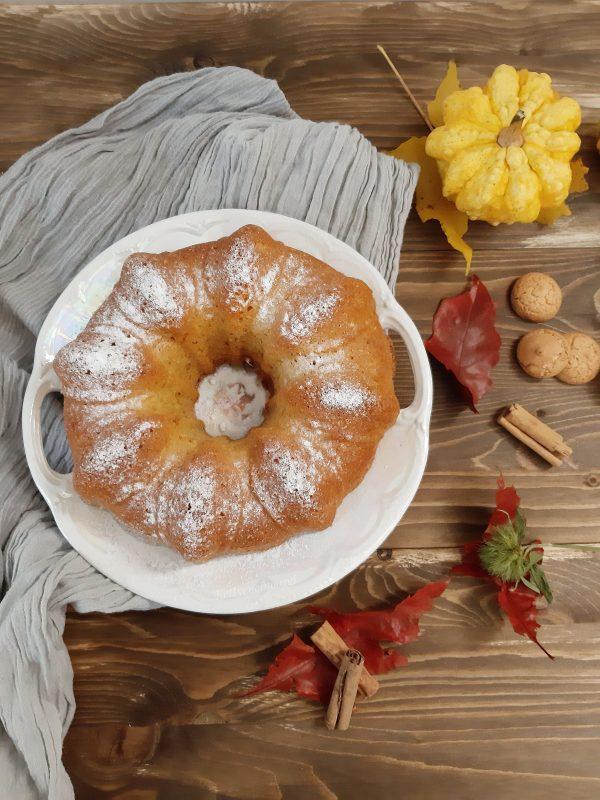 Una volta che sarà pronta, la lasciamo raffreddare togliamo dallo stampo e spolveriamo con zucchero a velo.