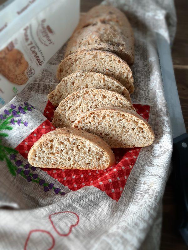 Il nostro  <i><b>pane ai 7 cereali</b></i> è pronto per essere portato a tavola.