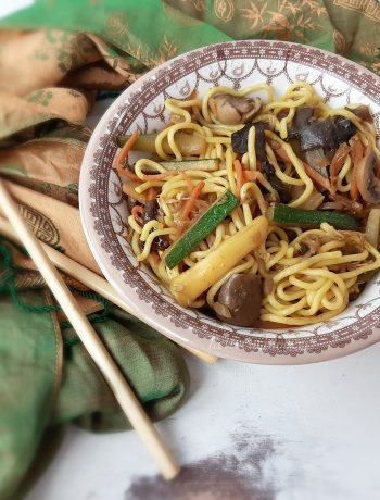 NOODLES AL CURRY CON VERDURE