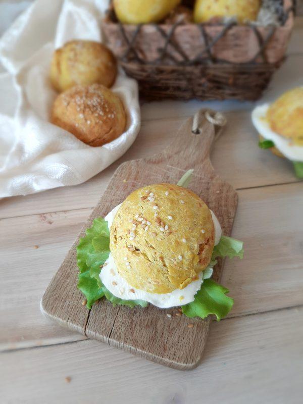 I nostri colorati <b>panini</b> sono pronti per essere farciti e gustati.