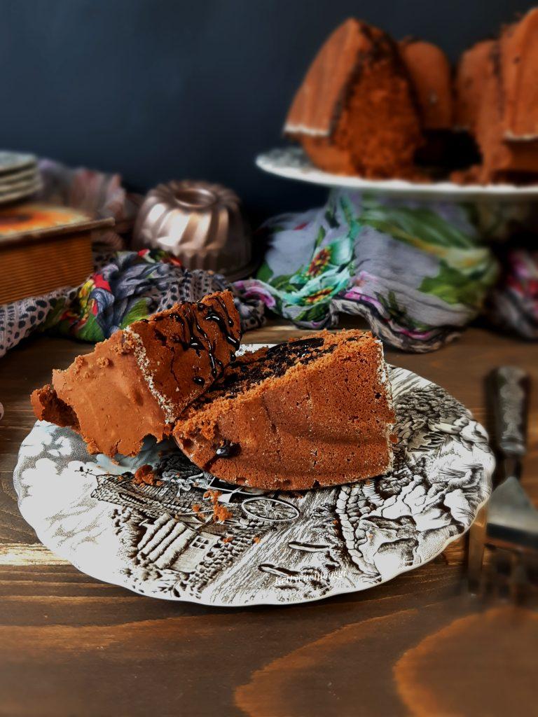 BUNDT CAKE AL CIOCCOLATO E CASTAGNE