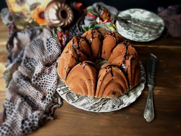 BUNDT CAKE AL CIOCCOLATO E CASTAGNE: LA RICETTA